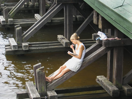 Жара загнала нод мост