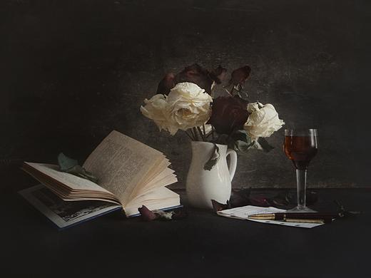 Скромное очарование сухого букетика роз