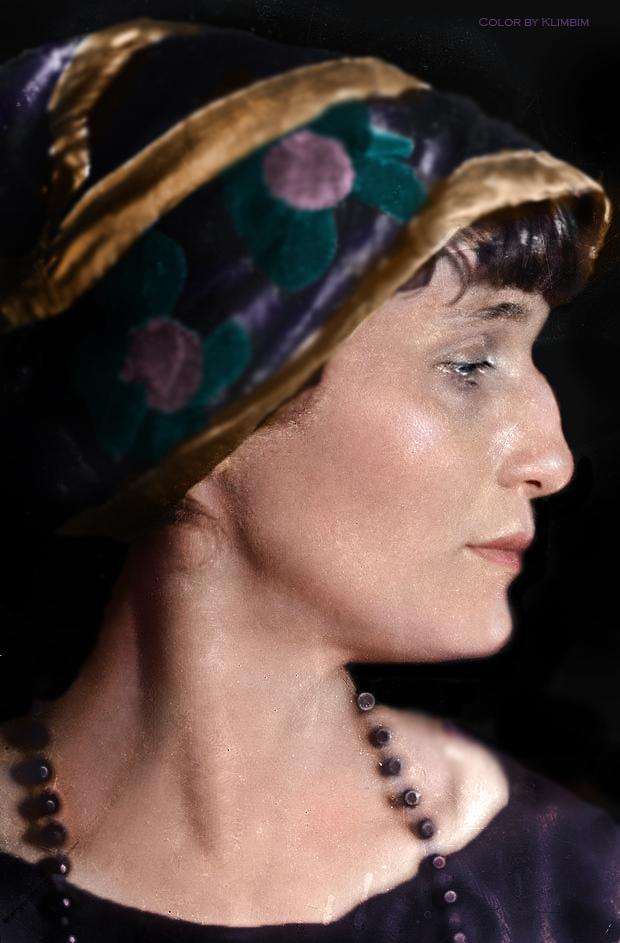 anna-akhmatova-russian-poet