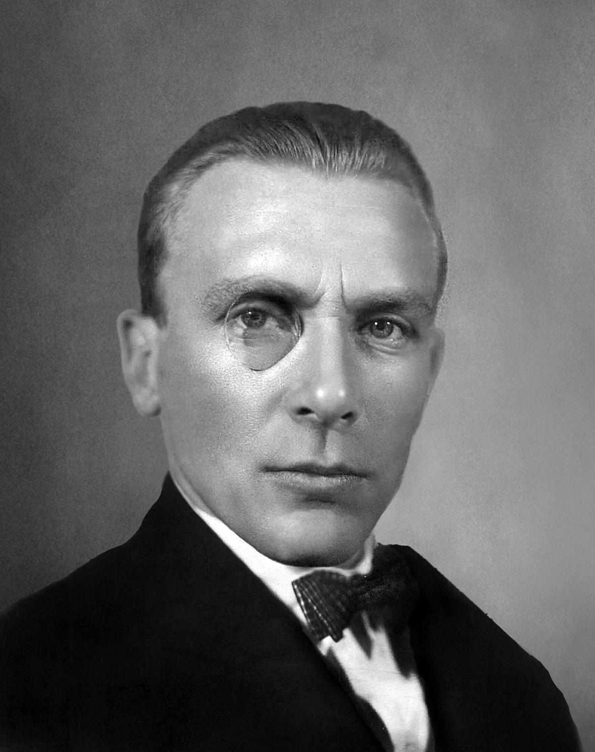 mikhail-bulgakov-mikhail-bulgakov-2